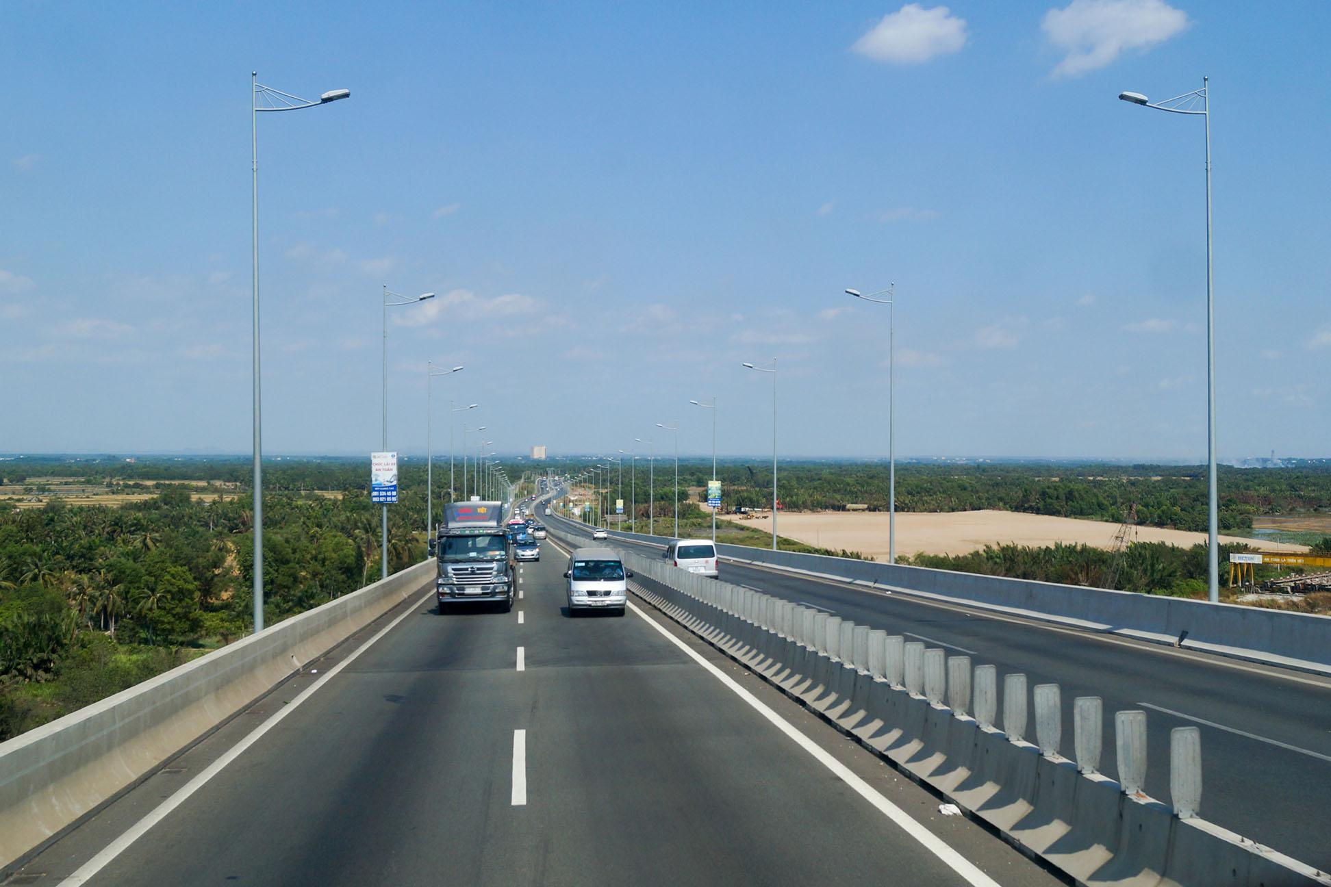 Phê duyệt báo cáo nghiên cứu khả thi dự án thu hồi đất sân bay Long Thành